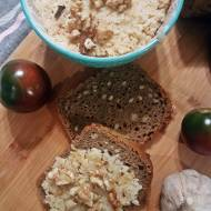 Pasta do chleba z pieczonego selera