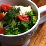 Sałata z sosem serowo śmietanowym