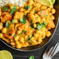 Pikantne curry z dynią i ciecierzycą (6 składników)