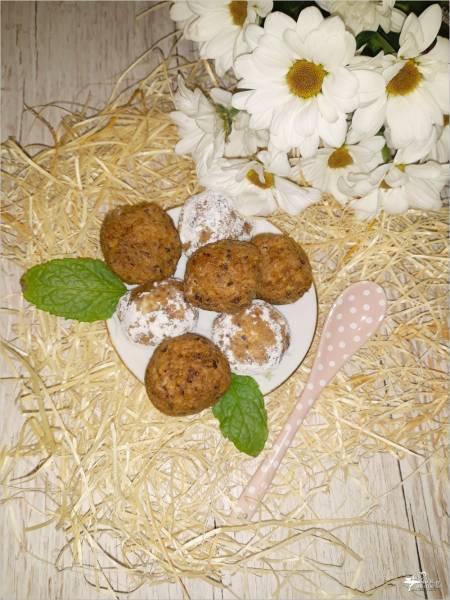 Piernikowe kuleczki z bakaliami – deser bez pieczenia