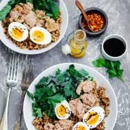 Sałatka z kaszy, tuńczyka i jajka