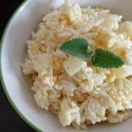 Sałatka żółto-czosnkowa
