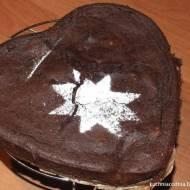 Ciasto z kaszy jaglanej z prażonymi orzechami włoskimi