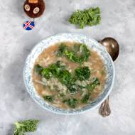 Islandzka zupa ziemniaczana z jarmużem