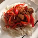 Kurczak z ryżem jaśminowym i papryką