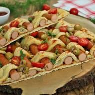 Pleciona pizza z parówką