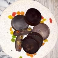 Domowe czekoladki z kandyzowanym ananasem