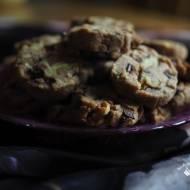 Półkruche ciasteczka z orzechami i czekoladą