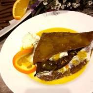Naleśniki czekoladowe z sosem pomarańczowym
