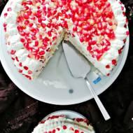 Tort wybuchowy - tort z granatem