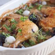 Kurczak zapiekany z boczniakami i wędzoną śliwką / Chicken baked with oyster mushrooms and prunes