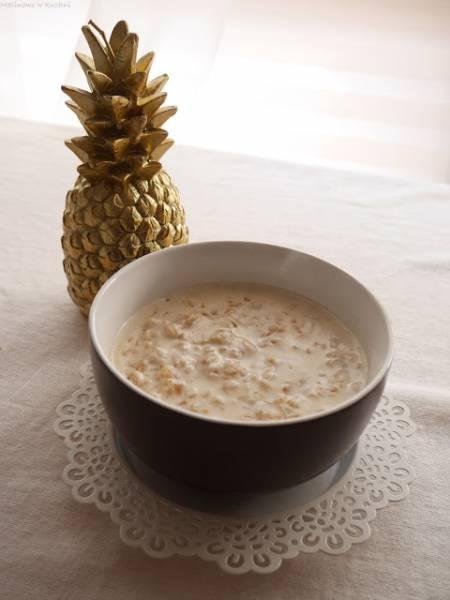 Owsianka kokosowo-orzechowa