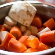 Rosół z domowym makaronem