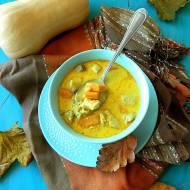 Jesienna zupa curry z kurczakiem, ryżem i dynią