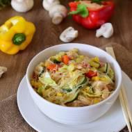 Makaron sojowy po chińsku z warzywami