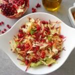 Surówka z kapusty, endywii, buraka, marchwi i granatu (Insalata di indivia, carote, melograno, cavolo e barbabietola)
