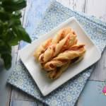 Świderki z ciasta francuskiego z szynką parmeńską i mozzarellą