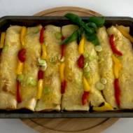 Naleśniki zapiekane z szynką, serem i warzywami