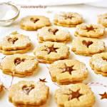 Świąteczne Kruche Ciastka z Orzechami i Kremem