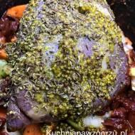 Karkówka z warzywami z dodatkiem musztardy, danie z wolnowaru