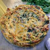 Piatek: Zapiekanka makaronowa z camembertem