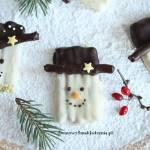 bałwanki z paluszków i czekolady