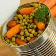 Czy warzywa w puszce są szkodliwe? Czy można je bezpiecznie jeść?