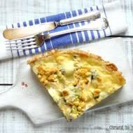 Tarta z brokułem, boczkiem i pieczarkami