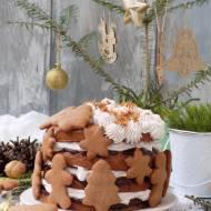 Piernikowy tort z powidłem i cynamonową śmietanką.