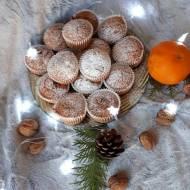 Babeczki pomarańczowe z orzechami