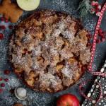Maślano- piernikowa tarta z jabłkami i porzeczkami