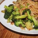 Smażone brokuły z patelni po azjatycku