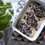 Filety z indyka pieczone z żurawiną, oliwkami, cebulką i mozzarellą