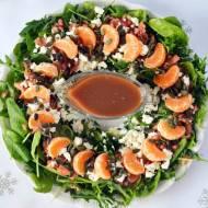 Wieniec bożonarodzeniowy do schrupania, czyli sałatka ze szpinakiem, rukolą, łososiem w sosie z granatu