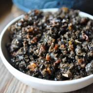 Tapenada z czarnych oliwek i suszonych pomidorów
