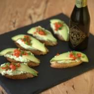 Crostini z avocado