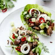 Lekkie taco z wołowiną na liściach sałaty