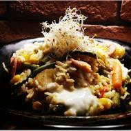 Ryż z warzywami, parówką, mozzarellą i kiełkami lucerny - czyli coś z niczego
