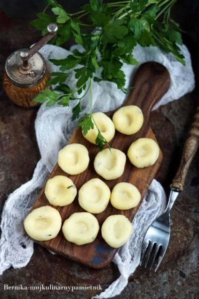 Kluski śląskie z natką pietruszki z puree ziemniaczanego