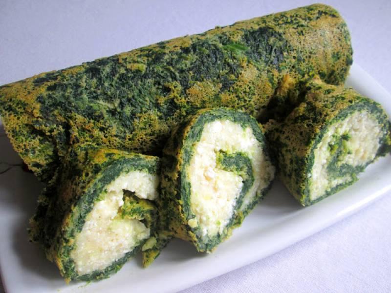 Rolada szpinakowa z nadzieniem ziemniaczano-serowym