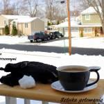 Zimowa rozgrzewająca kawa z przyprawami korzennymi