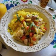 Ryż z indykiem i warzywami.