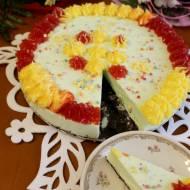 Tęczowy sernik urodzinowy (zdobiony przez dzieci)