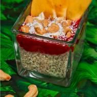 Kokosowy pudding chia z musem z czerwonych owoców