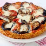 Makaronowa pizza z bakłażanem i mozzarellą