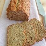 Razowy soda bread z ziarnami, bez drożdży (Soda bread integrale con semi, senza lievito)