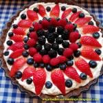Tarta z kremem mascarpone i owocami (bez pieczenia)