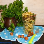 Makaronowa sałatka z cynadrami i ogórkiem