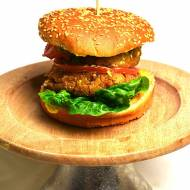 Burger z serem halloumi