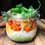Czwartek: Sałatka z krewetkami w zielonym sosie z awokado